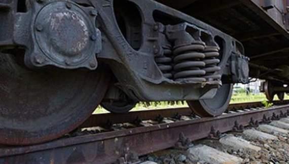 У Вінниці двоє пенсіонерів кинулися під потяг