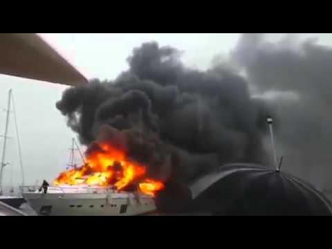 Визит Турчинова в Турцию сопровождался горящей яхтой (ВИДЕО)