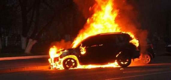 У Харкові спалили автомобіль поліцейського