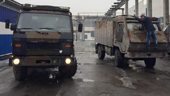 Корбан передав до АТО 2 вантажівки