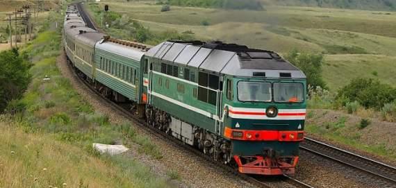 На Донеччині під час руху вибухнув потяг
