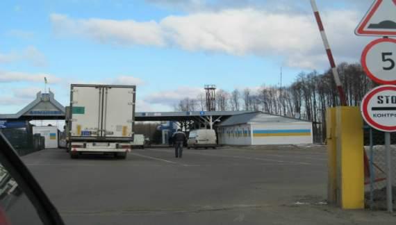 Граница Украины с Беларусью забита российскими грузовиками