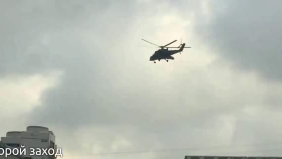 Боевой вертолет МИ-24 приземлился на крыше Лубянки. Москва наполнилась слухами /Видео/