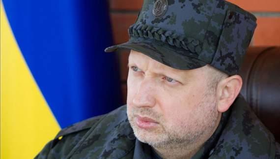 Путін готується наступати на Донбас, — Турчинов