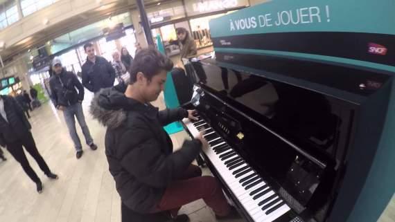 На вокзалі у Парижі прозвучав Гімн України (ВІДЕО)