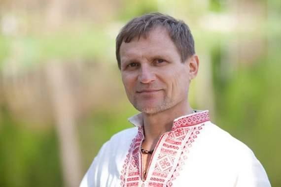 Скрипка обурений популярністю пісні «Експонат» серед українців