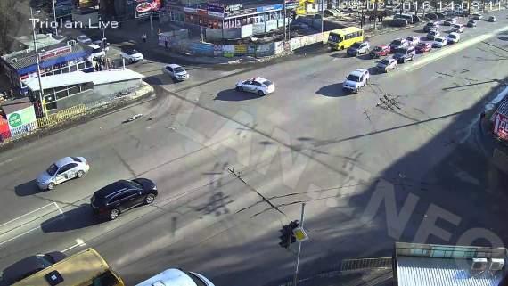 У Дніпропетровську поліцейське авто потрапило у ДТП
