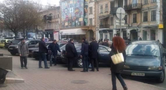 ГПУ сообщает, что в Одессе во время получения взятки задержан прокурор из команды Сакварелидзе