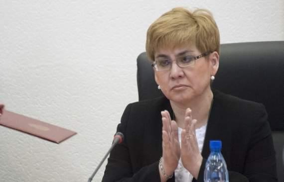 Чиновница обещает наказать тех, кто утроил ей зарплату