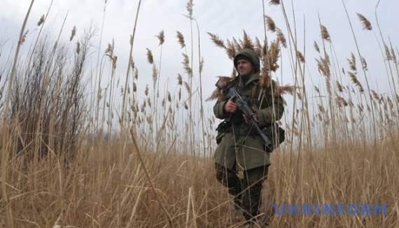 Украинские воины подбили русский танк.