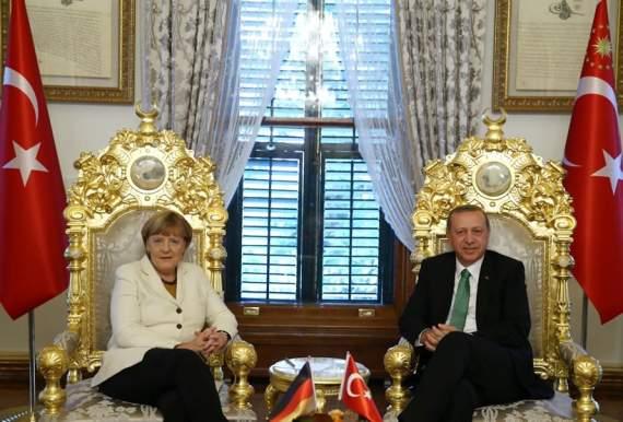 Спасет ли Эрдоган Меркель, и какой ценой?