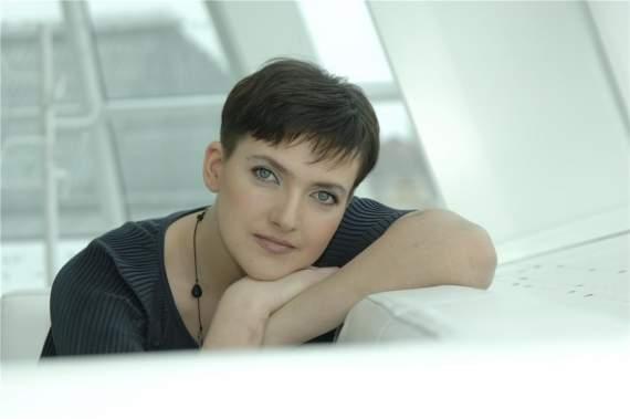 """Секс-машина: Надія Савченко прийшла в театр """"на лабутенах"""" і в спокусливих штанах (ФОТО)"""