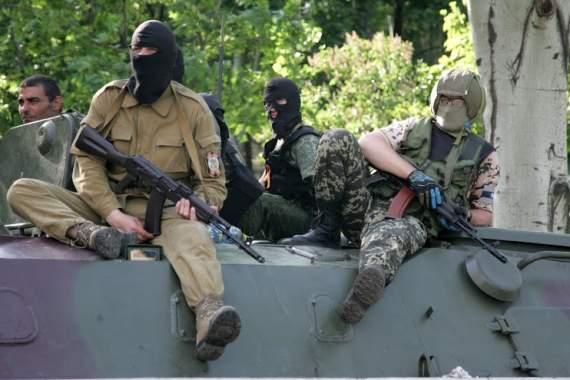 Боевики разместили тяжелое вооружение в Луганске и Донецке