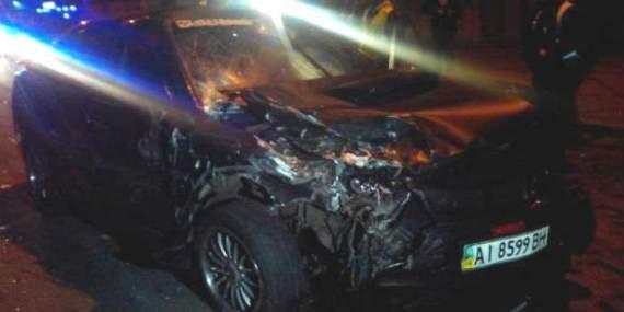 Страшна аварія в Києві. Машини розтрощені вщент