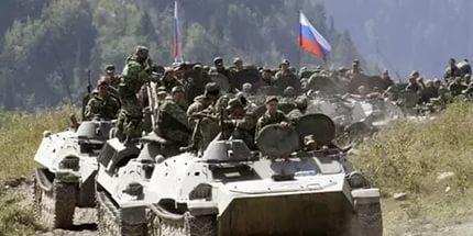 Російські військові почали палити власні танки