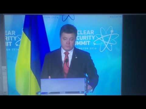 """Порошенко обвинил New York Times в участии в """"гибридной войне"""" против Украины?"""