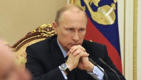 Сосед считает Путина ху**ом, а я считаю, что он пи***ас, — жесткий развод полиции Крыма 18+ (ВИДЕО)