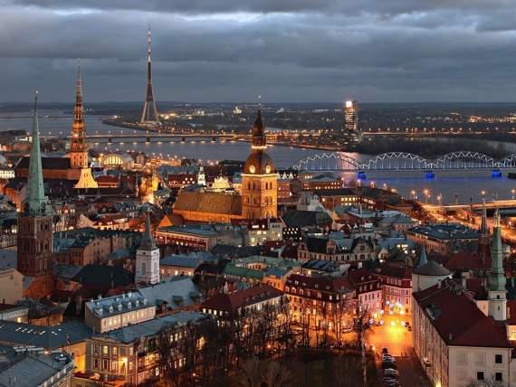 В воскресенье 24 апреля — прямой эфир с улиц Риги! Проводим онлайн-референдум по присоединению Украины и России к ЕВРОСОЮЗУ