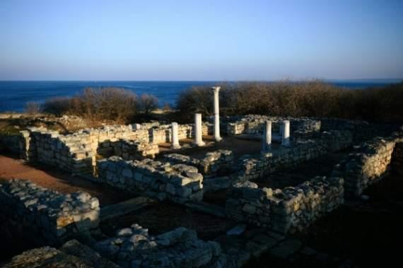 Военные в Севастополе уничтожили античную усадьбу