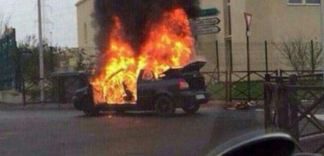 В центре Донецка взорвался автомобиль, есть пострадавшие