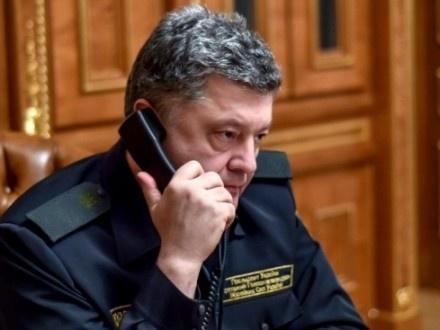 Порошенко подзвонив солдатам, які знищили БМП під Новотроїцьким