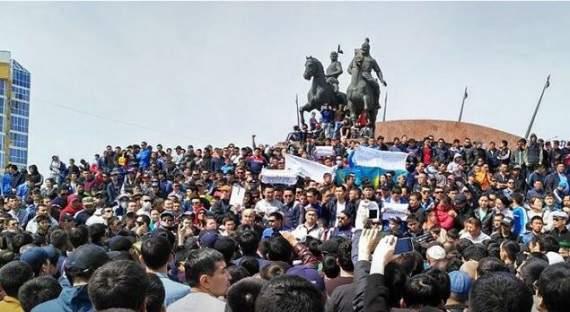 В Казахстсане начинается майдан. СМИ трусливо молчат