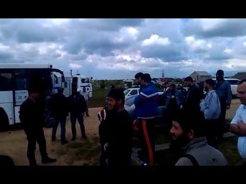 Появилось видео задержания крымских татар в мечети Молодежного во время Джума намаза