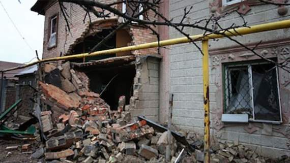 Боевики «ДНР» обстреляли жилой поселок: под руинами оказалось двое детей, – Аброськин