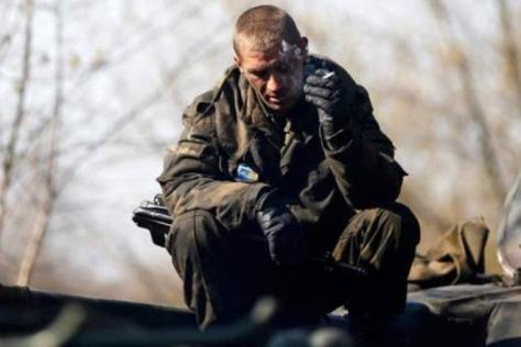 Украинский военный обматерил Порошенко и задал ему вопрос