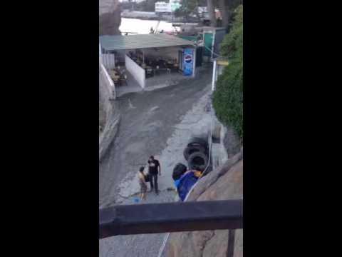 Крым. В сети появилось шокирующее ВИДЕО слива фекалий в море в Алупке. Добро пожаловать