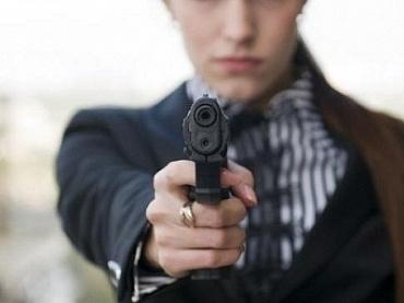 Украинцам разрешат ходить с оружием по улицах (ВИДЕО)