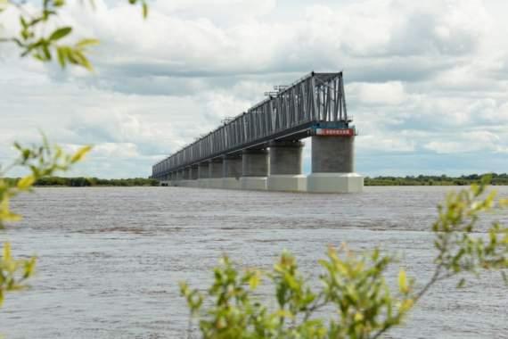 Мост через Амур – крымчане не тем оккупантам сдались.