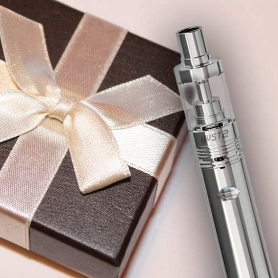 Розетка: Аксессуары для электронных сигарет станут удачным подарком вэйперу