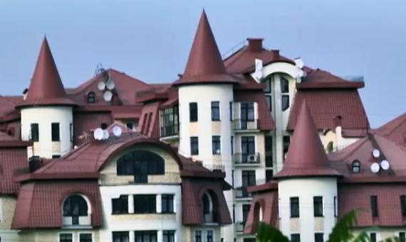 Огромное поместье Ляшко в Конче-Заспе (ВИДЕО)