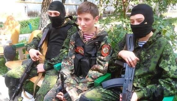 Террористы ЛНР/ДНР вербуют детей и используют их как живой щит
