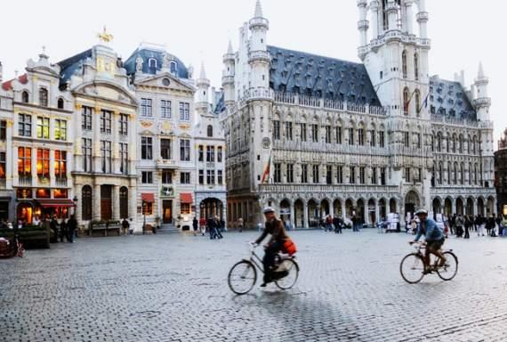 Яценюк открыл корпорацию недвижимости в Брюсселе (ВИДЕО)