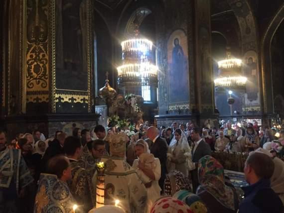Тимошенко устроила пафосные крестины для внучки во Владимирском соборе /Фото/