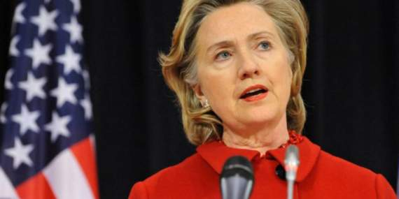 У Клинтон диагностировали пневмонию, политик отменила турне по Калифорнии