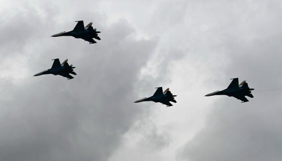 Народный депутат: Над Донбассом пятый день подряд летают истребителиРФ