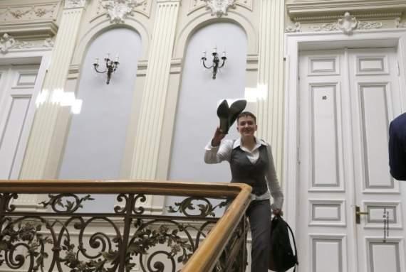 Савченко переодягнуть дизайнери Марини Порошенко (ВІДЕО)