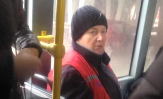 Волонтер: Сегодня вот эта женщина, кондуктор 46 автобуса, сделала мой день!!! А я стою и не знаю что сказать…