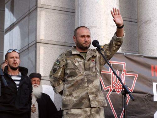 Д.Ярош о своей текущей политической и военной деятельности.
