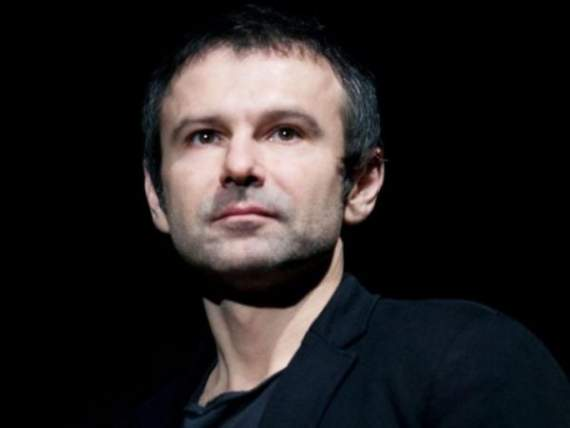 Пинчук выталкивает Вакарчука на политический ринг?