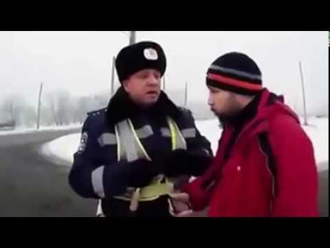 """Этот парень просто сровнял ДПС-ника с землей. Вот как общаются с наглыми """"мусорами"""". 18+"""