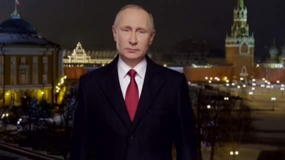«Ни рожа не меняется ни пи**ец в стране». Россияне активно комментируют новогоднюю речь Путина — видео