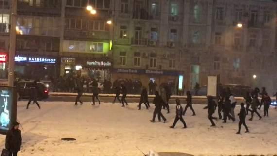 """Ультрас """"Динамо"""" """"накрыл"""" турецких фанатов: 10 человек получили ножевые ранения (видео)"""