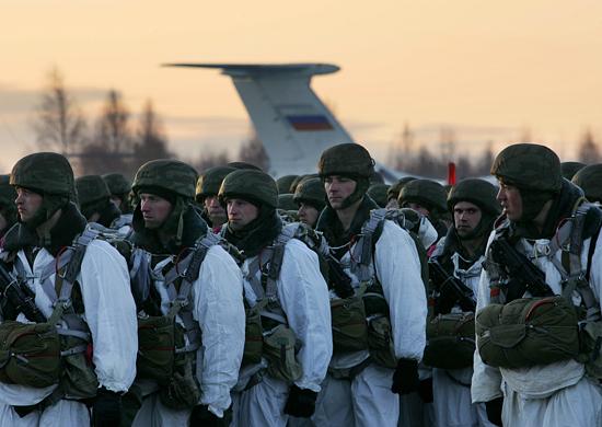 У Криму розгорнули десантно-штурмовий полк ВДВ Росії