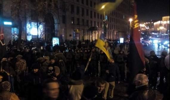 """Я сегодня снова дрался с """"Беркутом"""": Активист рассказал о потасовке между националистами и полицией"""