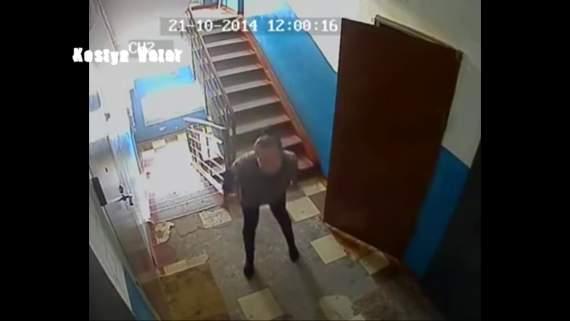 Это Россиия детка: Женщине сказали что за нами по камере будет наблюдать Обама