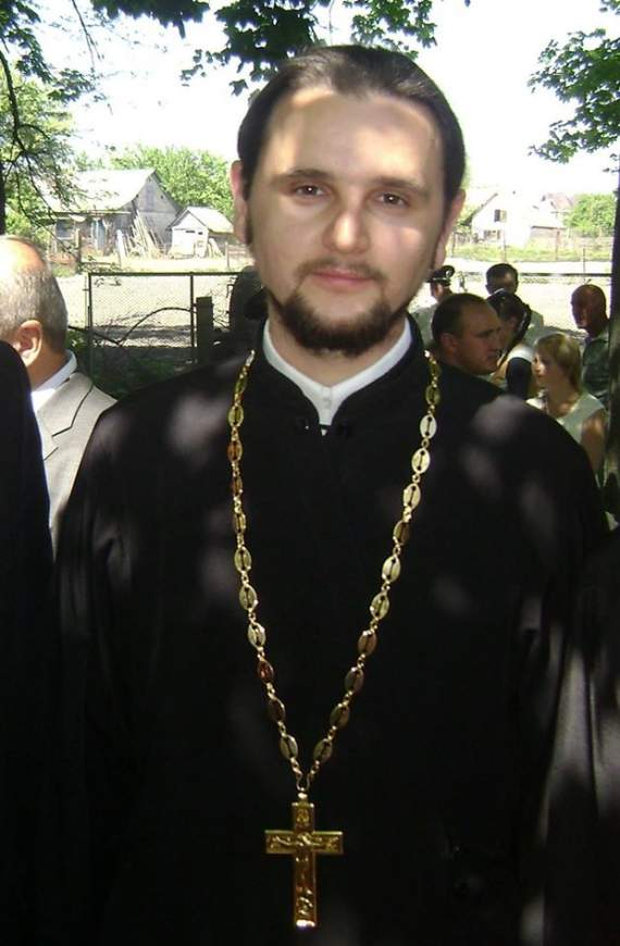 Священника-звезду шоу «Голос країни» уличили в «зраде»